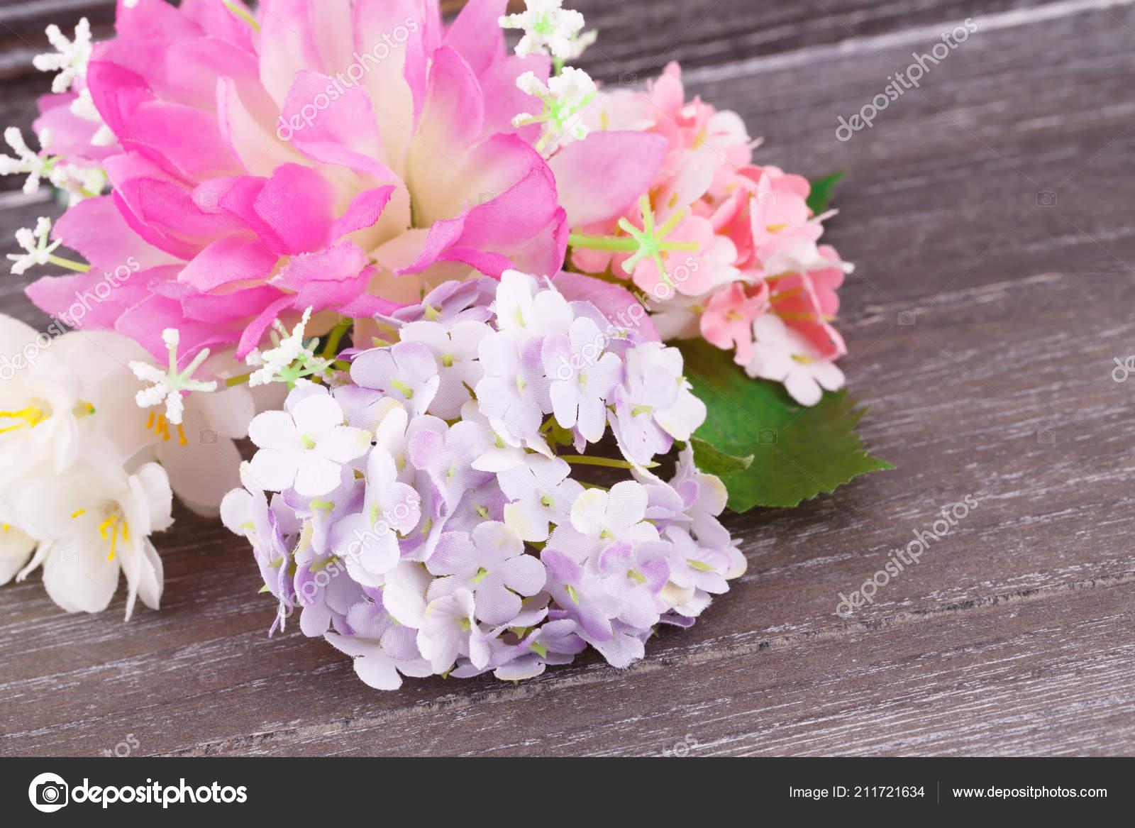 Barevné Textilie Květiny Dřevěné Pozadí Detailní Obrázek — Stock ... aa557e15627