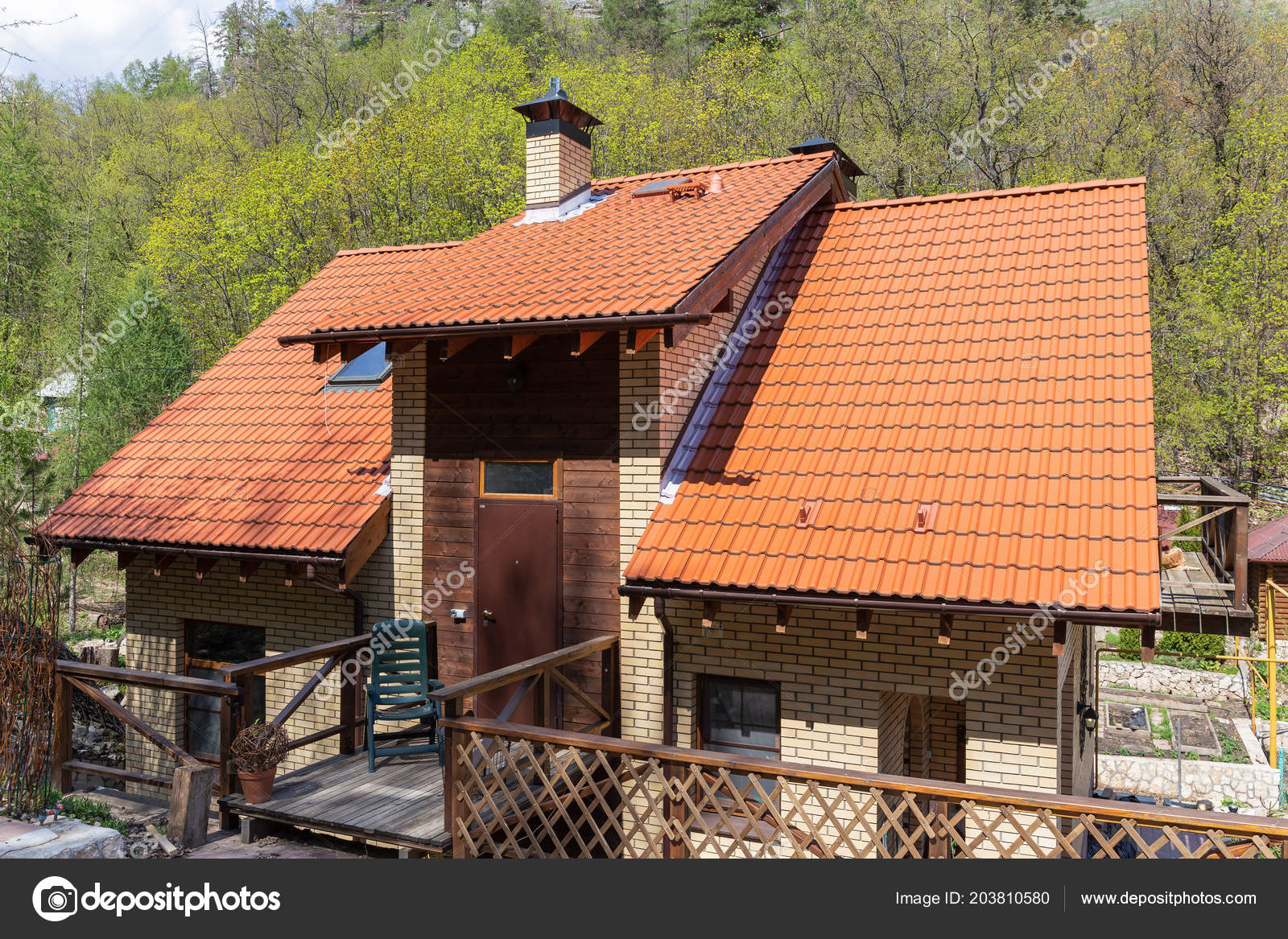 Modern Country House Tiled Roof — Stock Photo © Observer