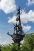 Moskva, Rusko - 19. června 2018: Památník ruského cara Petra Velikého na řece obejít kanál Moskva