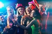 Fotografia Dance party con la gente del gruppo danza e cocktail