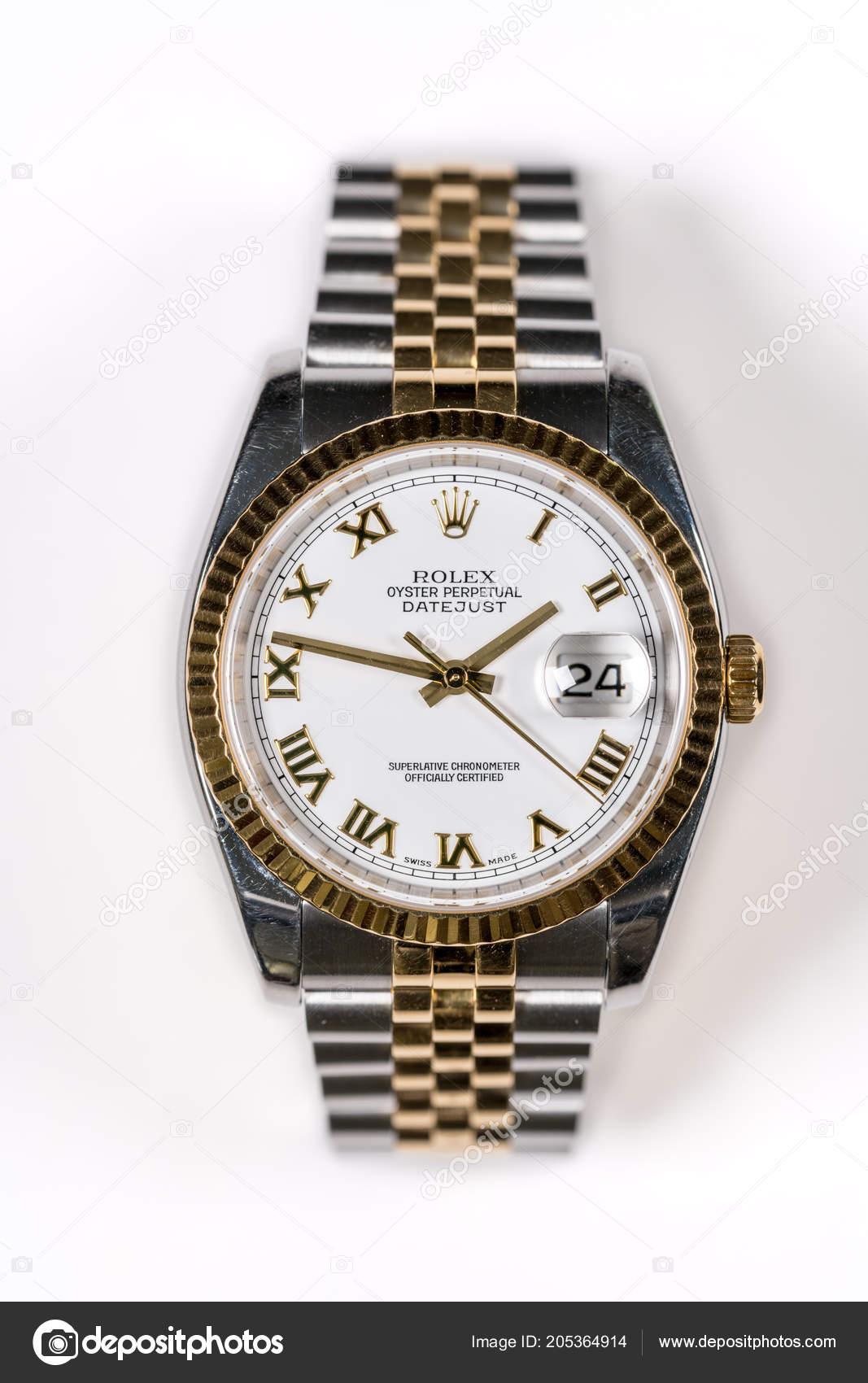 Hodinky Rolex Oyster Datejust Pánské bílé pozadí - Stock Editorial ... 9f422e792f6