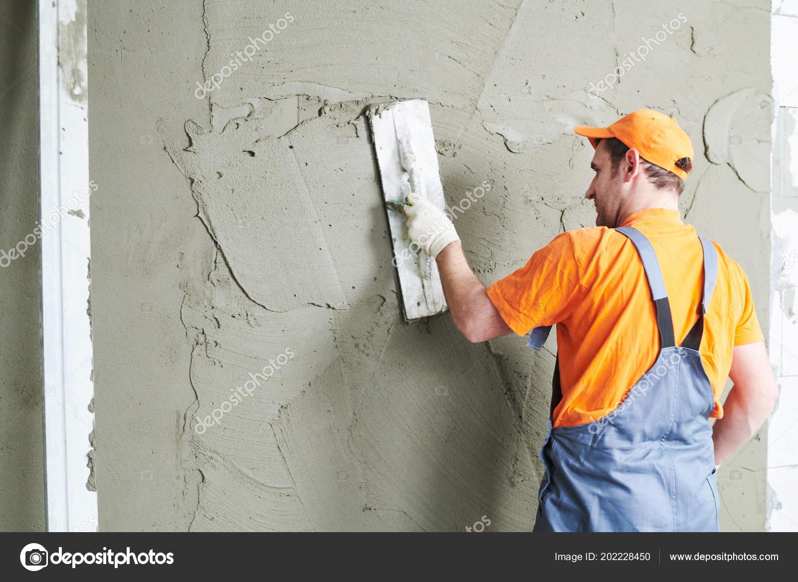 Renovierung Zu Hause Gipser Putz An Wand Glatten Stockfoto