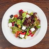 Řecký salát s fetou, zblízka