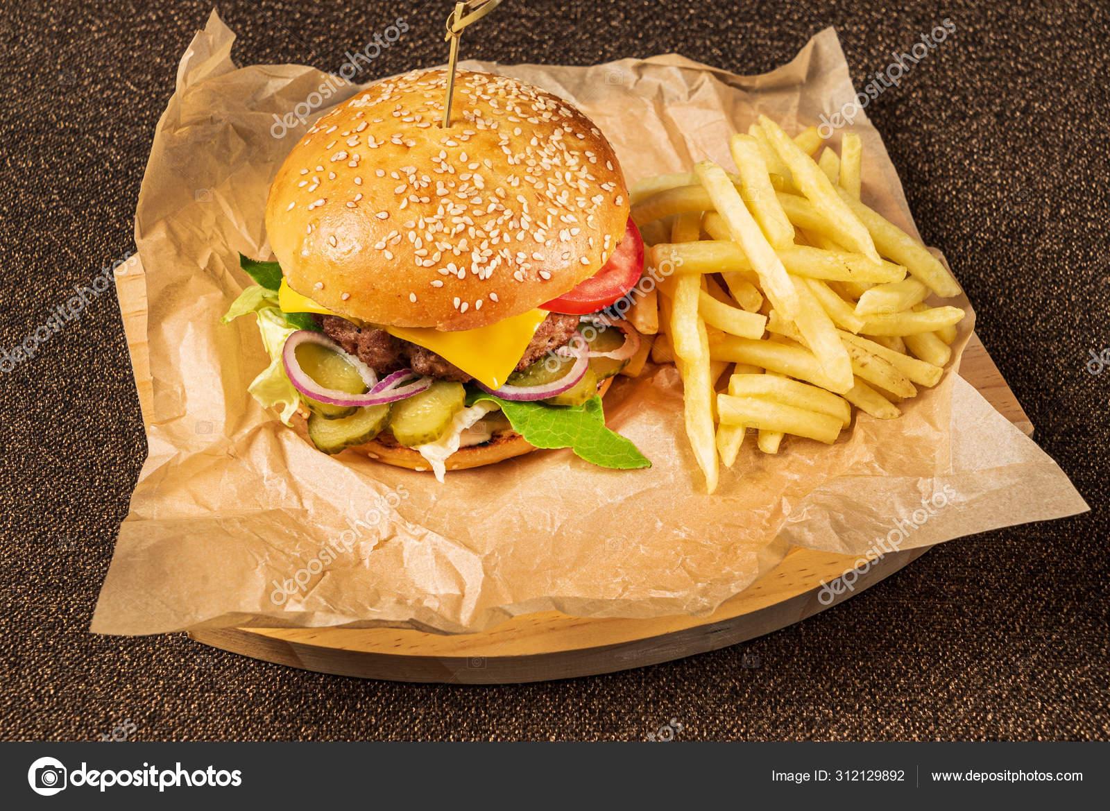 Обои котлета, Сэндвич, hamburger, Meat, Гамбургер, tomatoes, салат, булочка, Fast food, картошка фри, фастфуд, соус. Еда foto 19