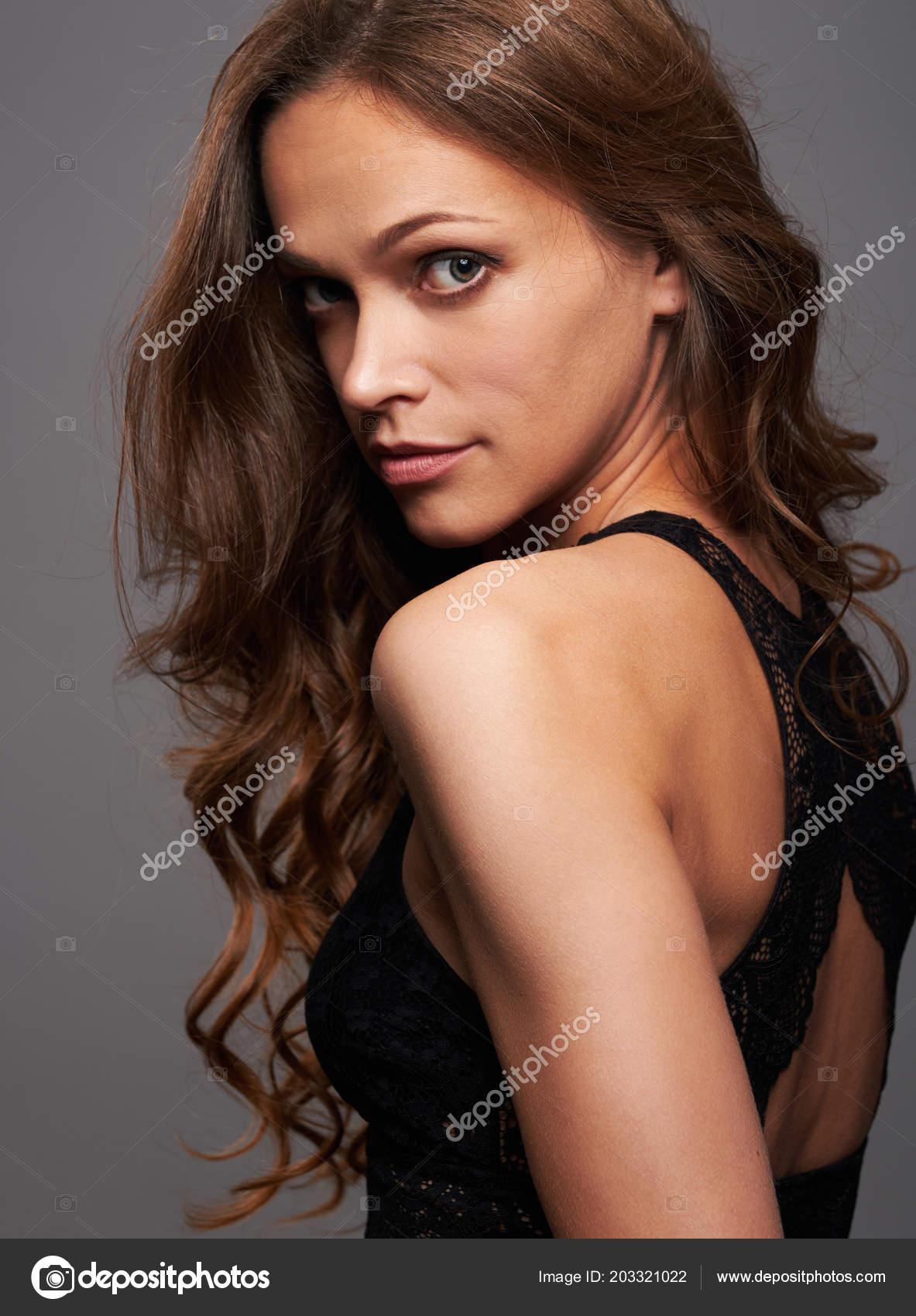 Pretty Woman Fashion Model Curly Hair Cute Girl Studio Portrait