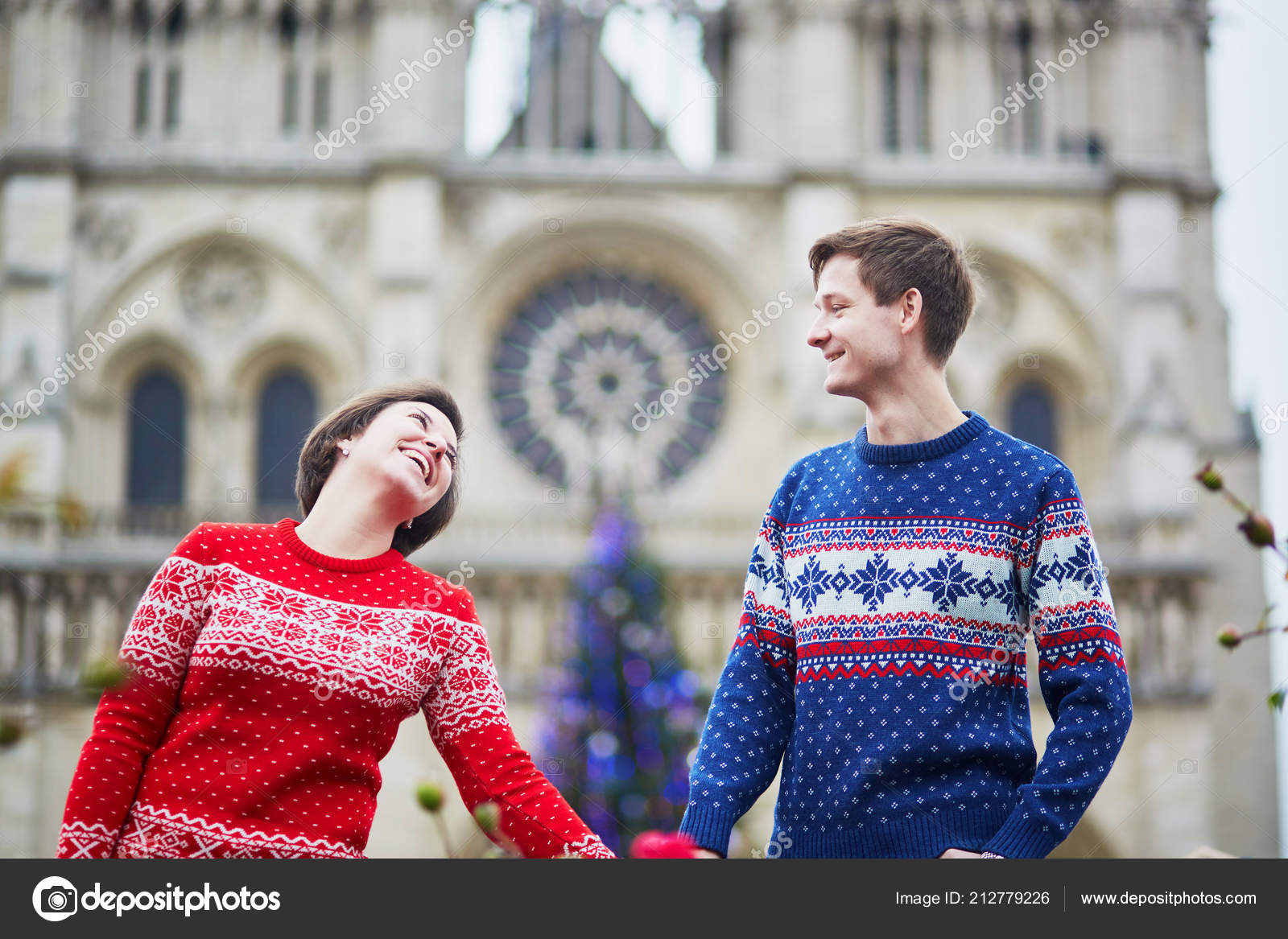 Happy Couple Colorful Sweaters Street Paris Decorated Christmas ...