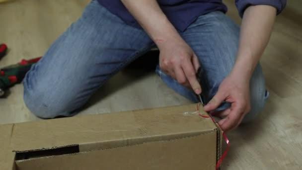 Processus Assemblage Meubles Bois Vidéo Djemphoto - Assemblage de meubles en bois