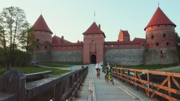 Hrad Trakai při západu slunce, Litva