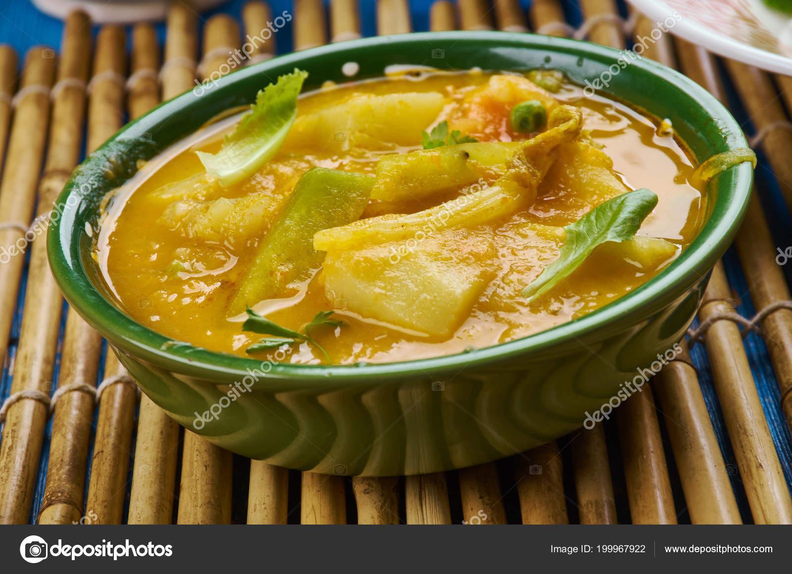 Pakistanische Küche | Bengali Drumstick Curry Drumstick Kartoffel Curry Pakistanische