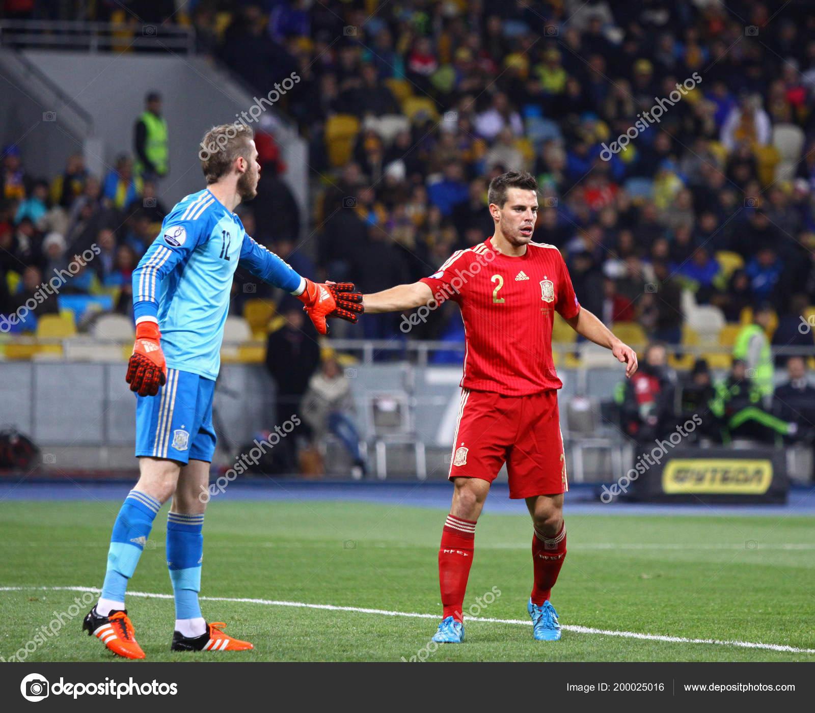 Футбол 12 октября украина испания
