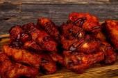 Bivaly csirke szárnyak bbq mártással