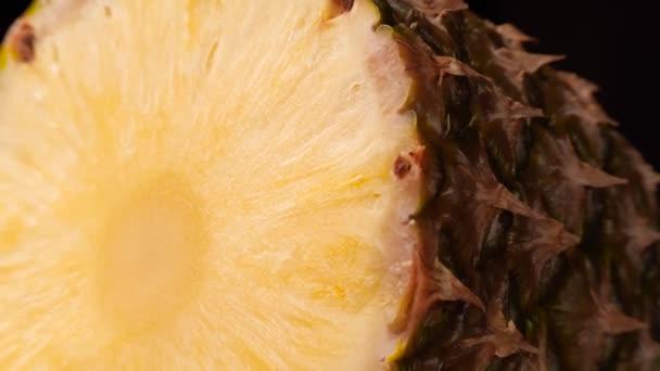 Érett ananász szeletelt
