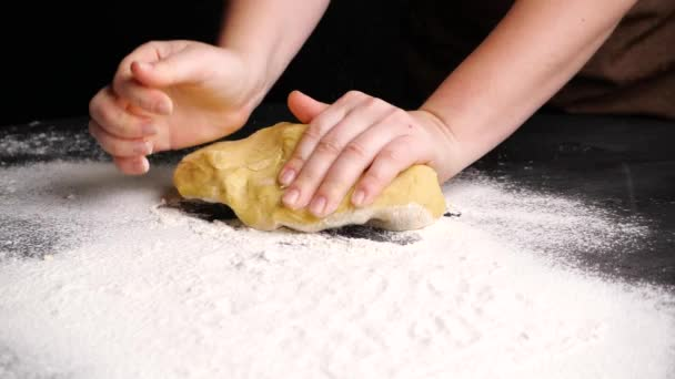 Kneading dough in slow motion