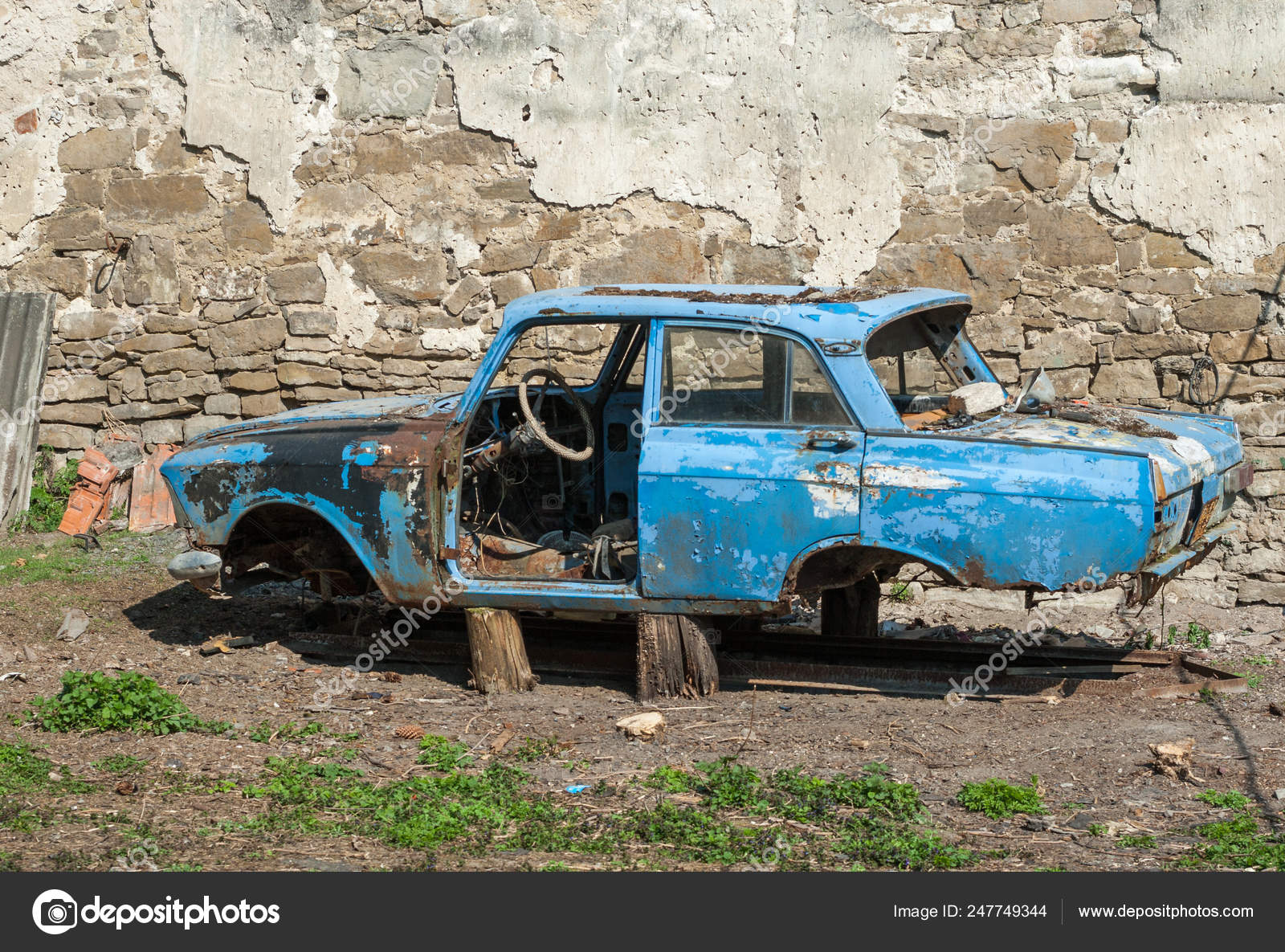 Old wrecked car — Stock Photo © alexsol #247749344