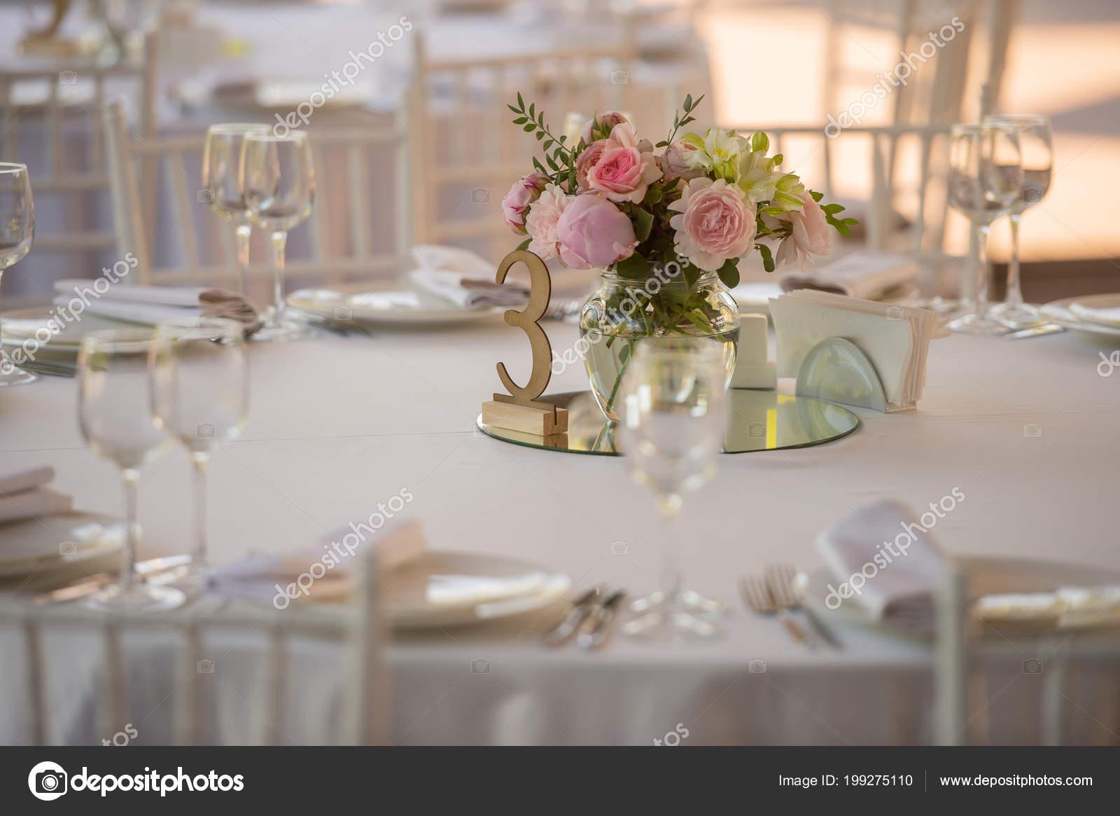 Hochzeitsdekorationen Und Blumen Stockfoto C Kiriak09 199275110