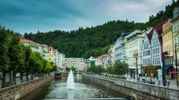Karlovy Vary, České město pohled z mostu