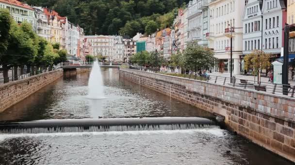 Karlovy Vary Česká města pohled z mostu