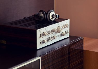 Vintage Audio Stereo Amplifier with Headphones Side View Optonica sm4646