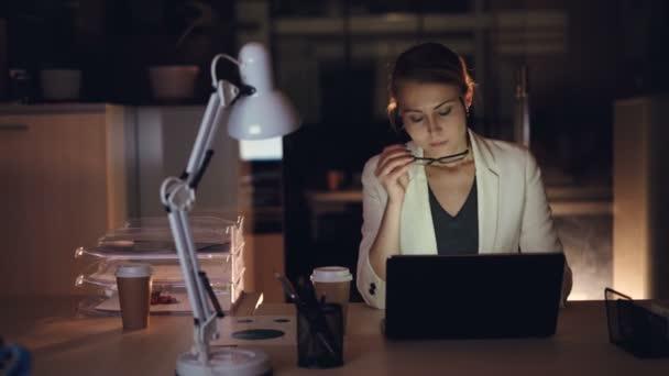 Работа ночь девушка высокооплачиваемая работа в казани девушками