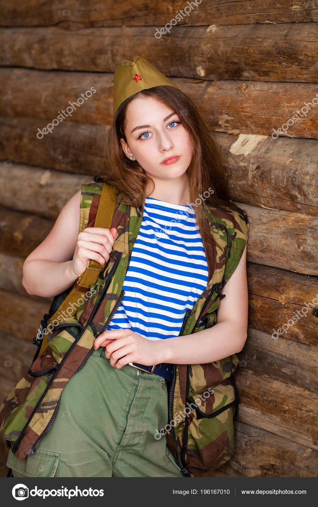 Русские девушки в форме армии #5
