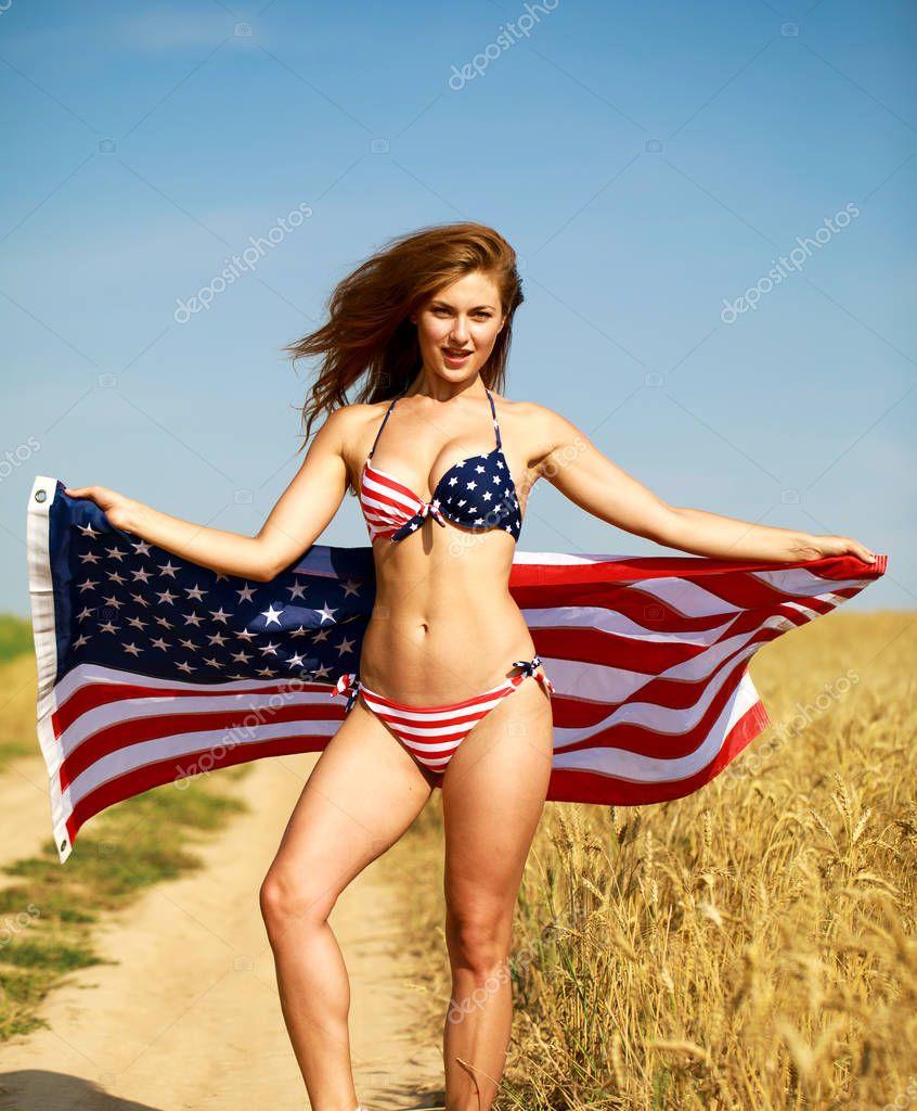 babu-v-bikini-amerikanskiy-flag-ebut