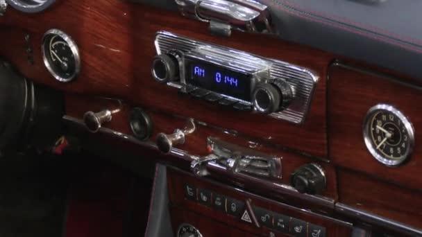 A Mercedes-Benz német klasszikus-járművet belső