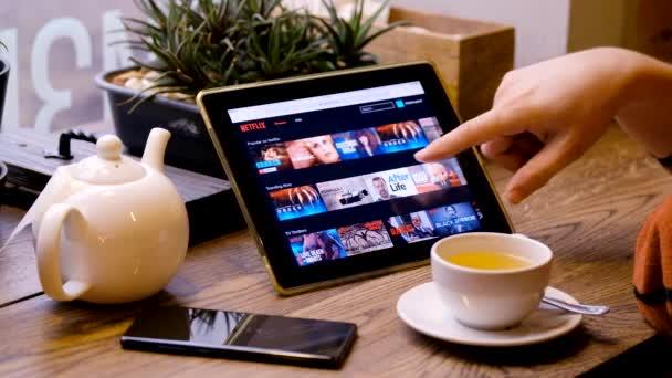 Végignézve a Netflix könyvtárban filmek és műsorok