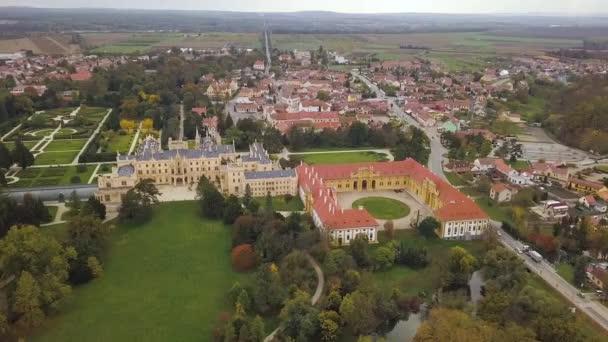 Zámek Lednice, Česká republika - letecký pohled - cestování a architektura video