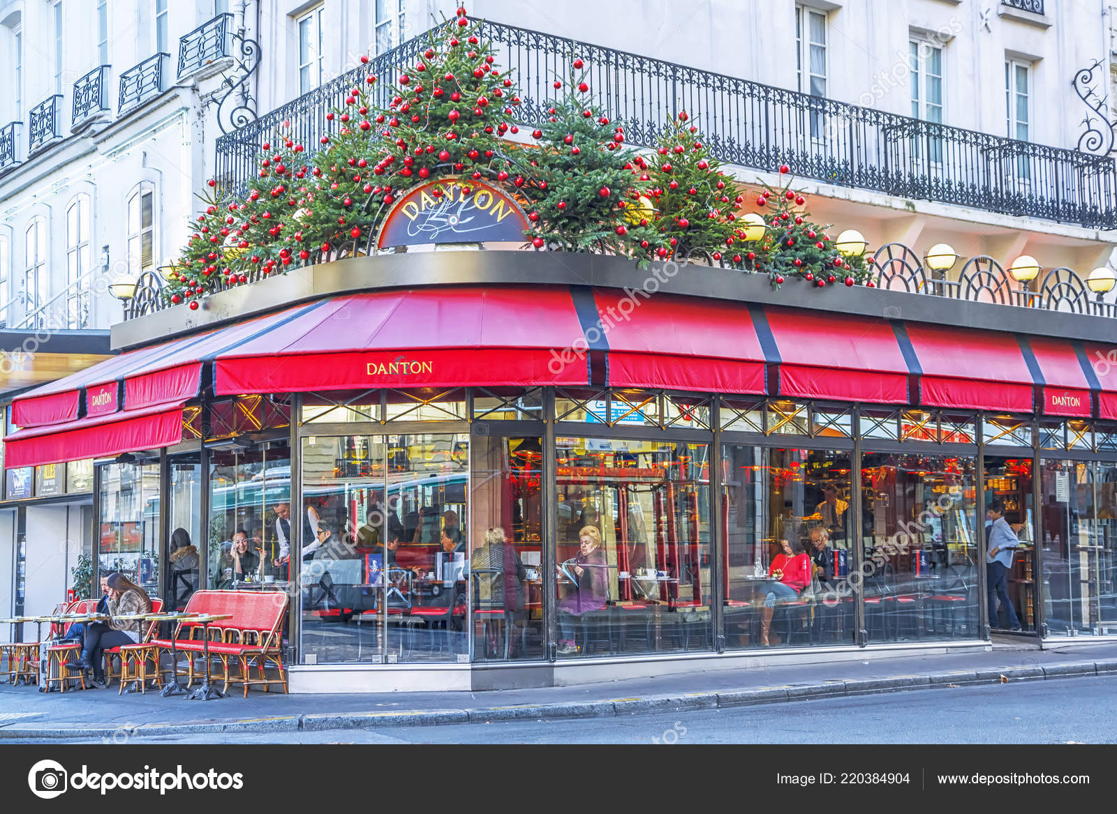 Typical Parisian Cafe Decorated Christmas Holidays Paris Winter Morning France Stock Editorial Photo C Marina99 220384904