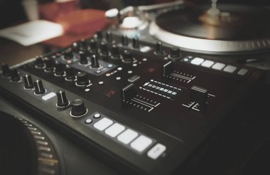 Professional dj turntable player and sound mixer controller
