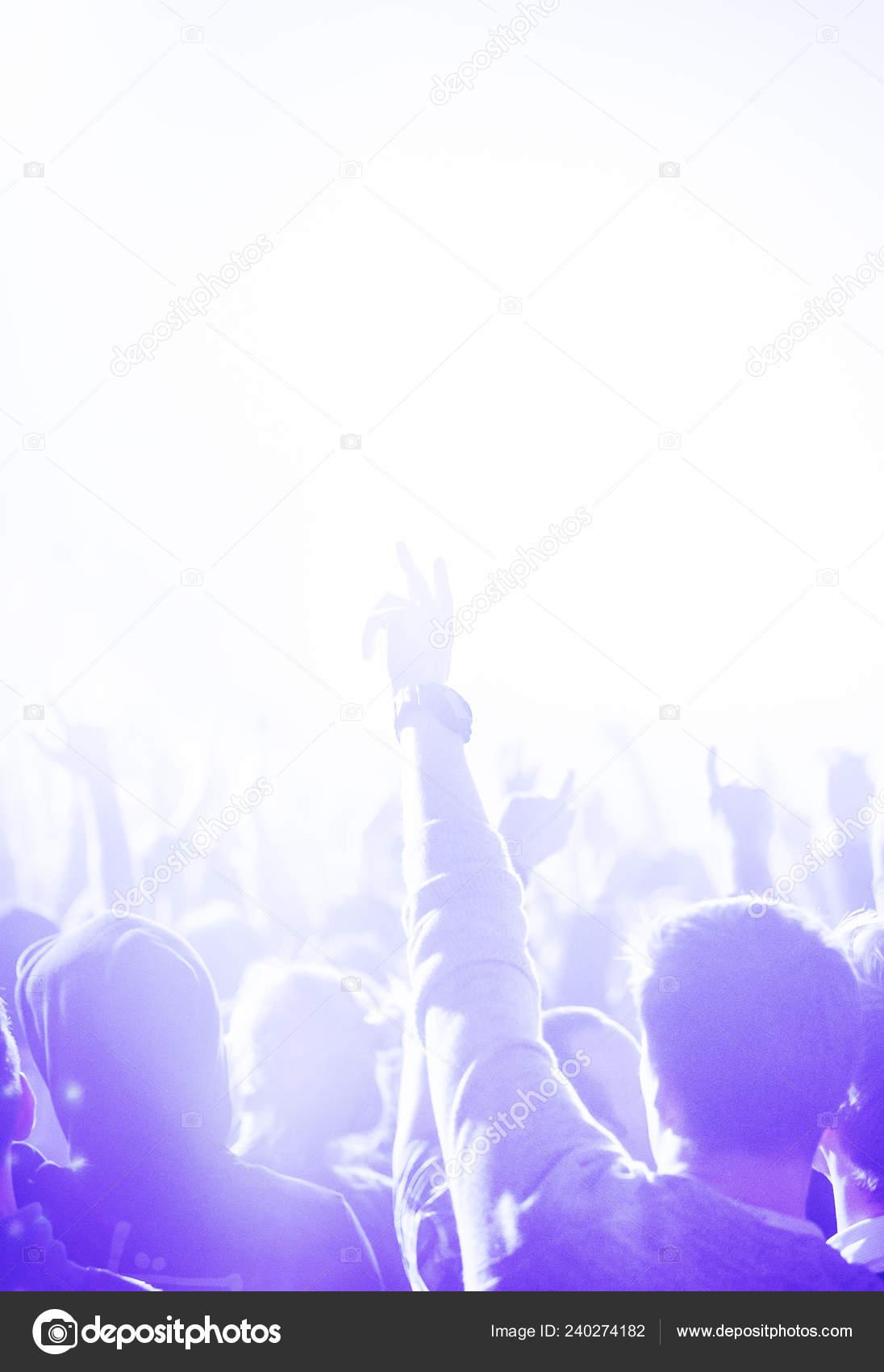 скачать музыку клубов москвы