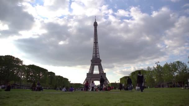 Krásný výhled na Paříž, Francie. Eiffelova věž