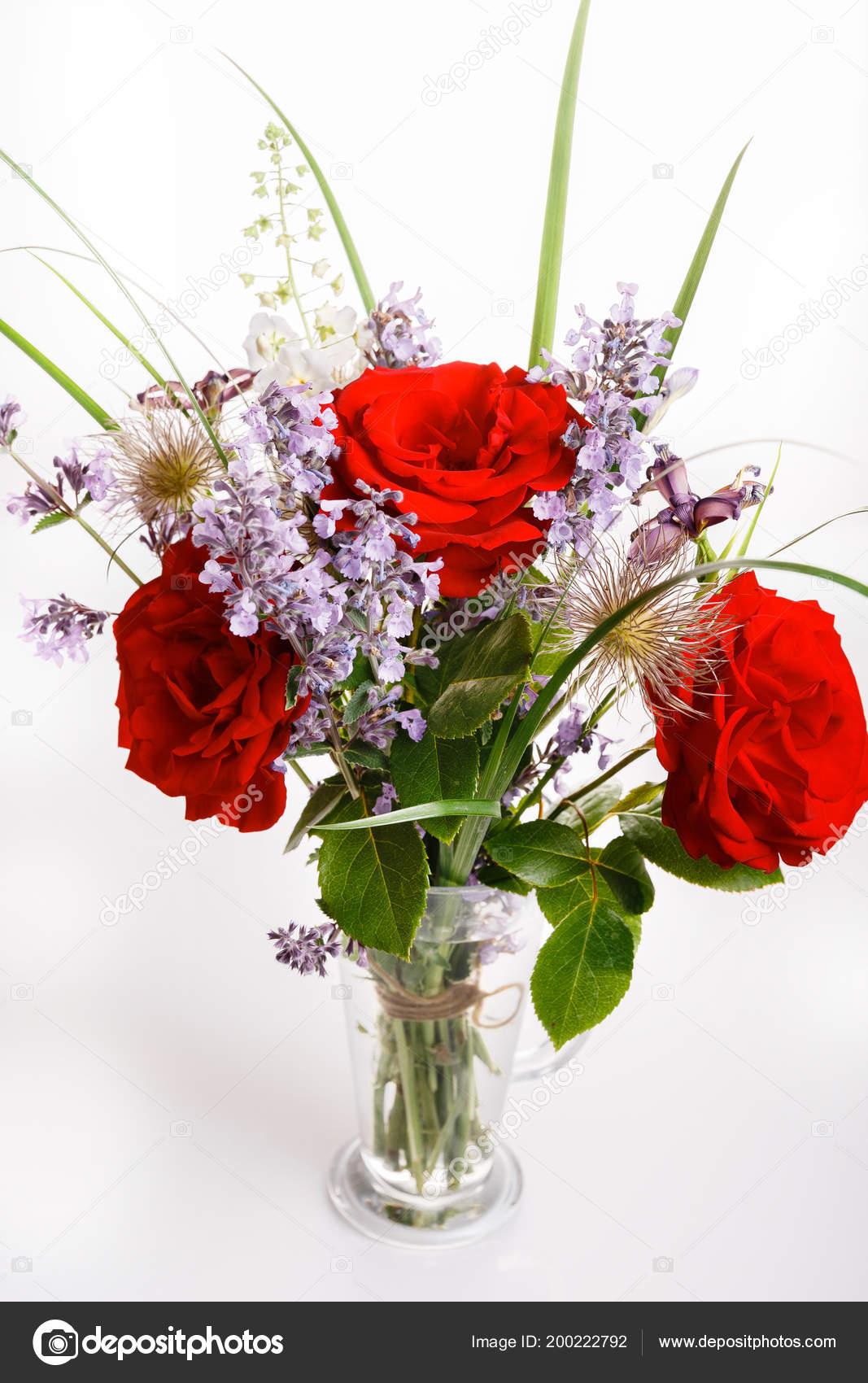 Flor De Hermoso Bouquet En Florero Foto De Stock Olga18x27