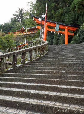The steps leading up to the entrance of Kumano Hayatama Taisha shrine