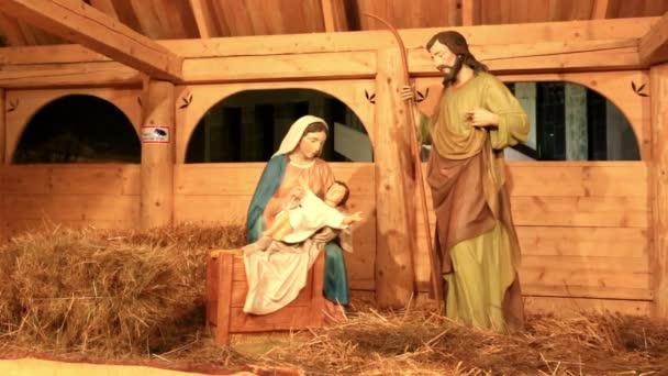Varšava, Polsko - 28 prosinec 2014: Detailní pohled na betlém nebo jesličky scénu představující narození Ježíše Krista, během vánoční týden.