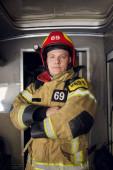 Obraz hasiče na pozadí hasičů
