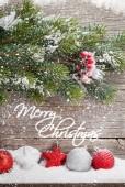 Vánoční výzdoba a vánoční jedle větev stromu. Zobrazit místa pro vaše pozdravy