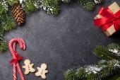 Vánoční přání s jedlí a sušenkami