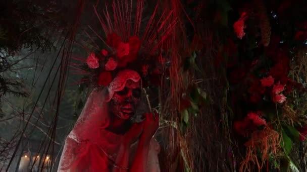 Báječná stylizace Santa Muerte - Holy Death - moderní náboženský kult. Koncept Art pohádka 4K záběry.