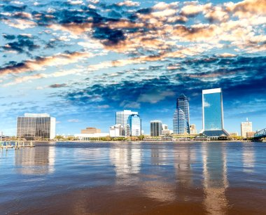 Downtown Jacksonville and St Johns River from Southbank Riverwal