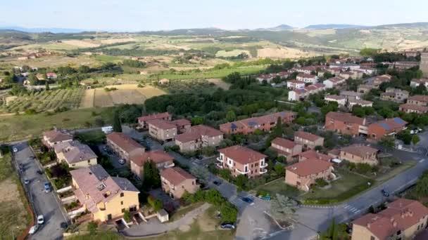 Pienza, Toskana. Luftaufnahme bei Sonnenuntergang der berühmten mittelalterlichen Stadt.