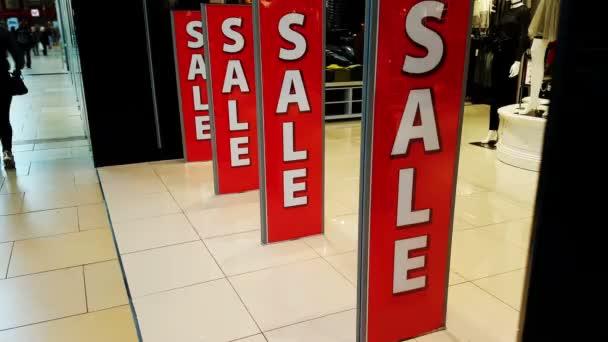Prodej billboard ve velké nákupní centrum