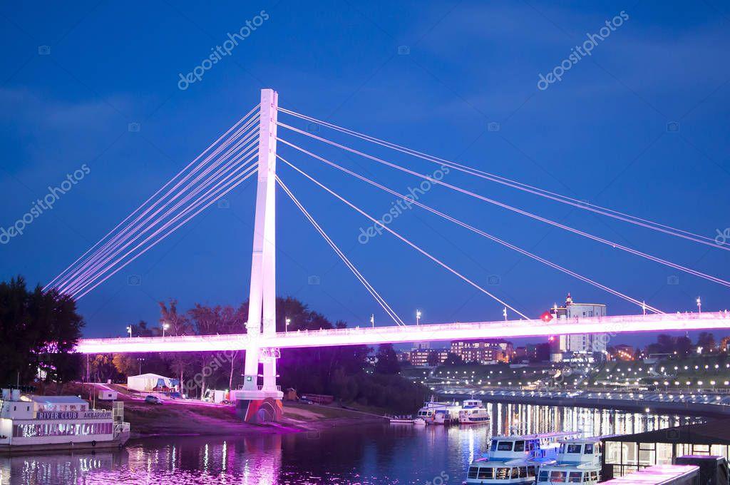 пешеходный мост превратят в корабль тюмень фото дадим несколько несложных