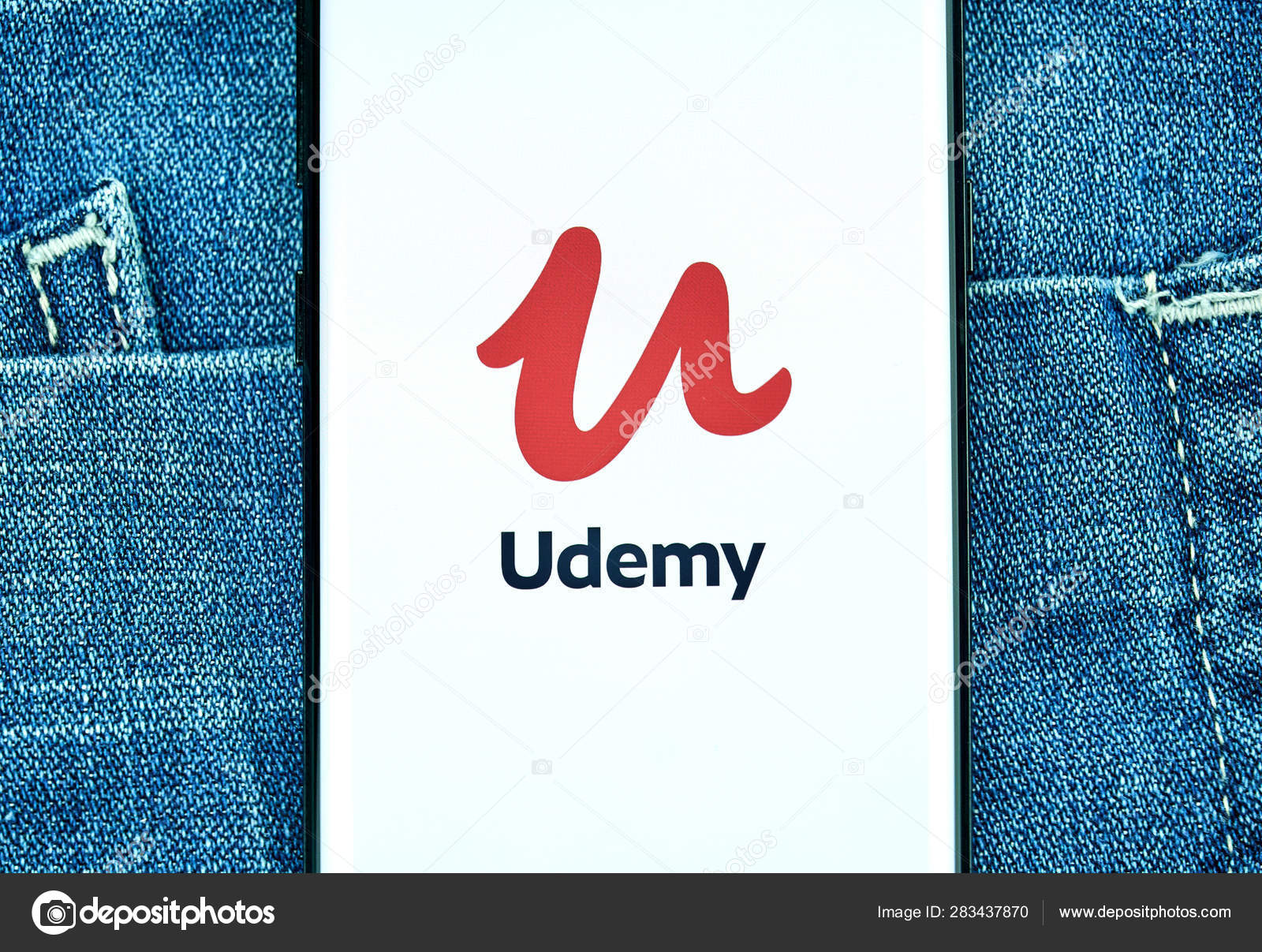 Udemy mobile app on Samsung s8  – Stock Editorial Photo