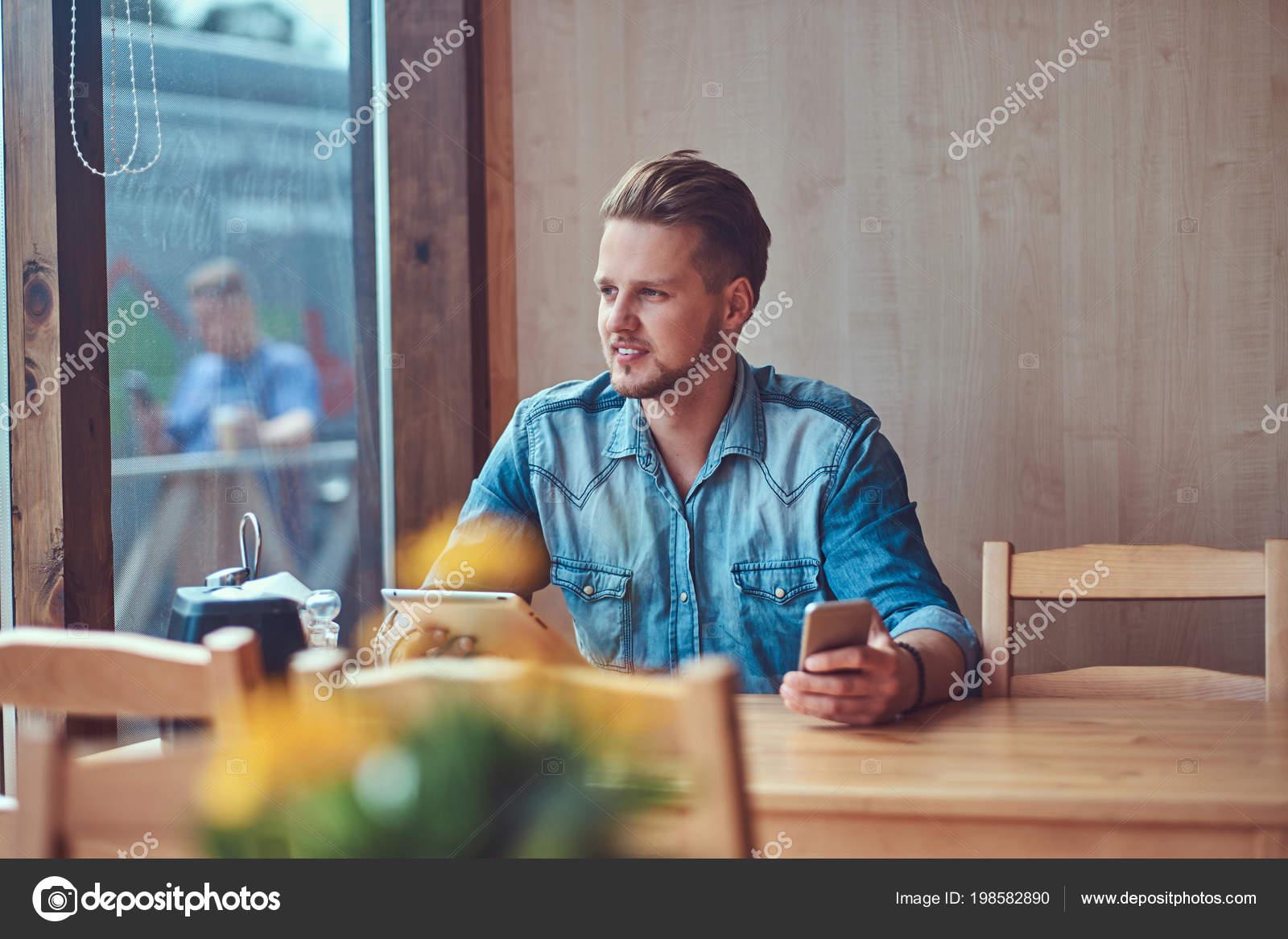 Incontri un ragazzo hipster