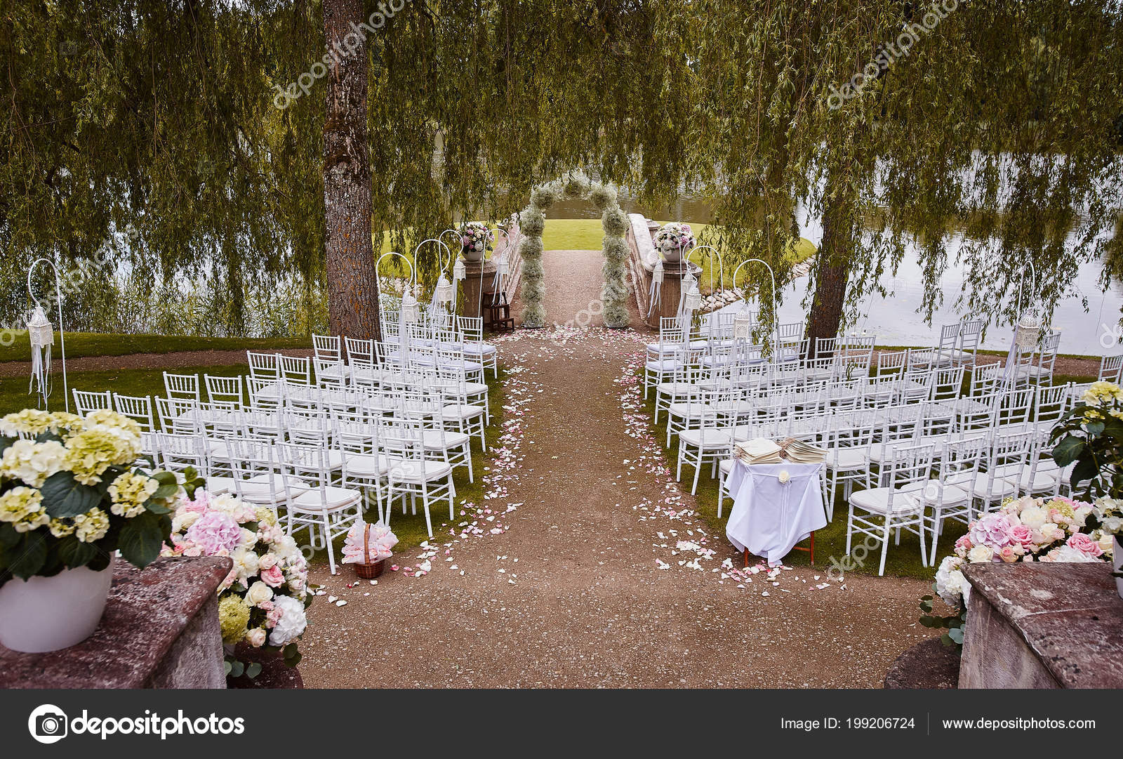 Place Wedding Ceremony Wedding Arch Decorated Flowers White Chairs ...