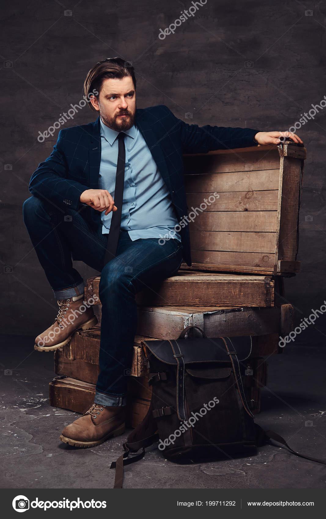 Capelli Mezza D'affari Un Età Uomo Alla Di Barba Ritratto Con E nqIWaxzqZw