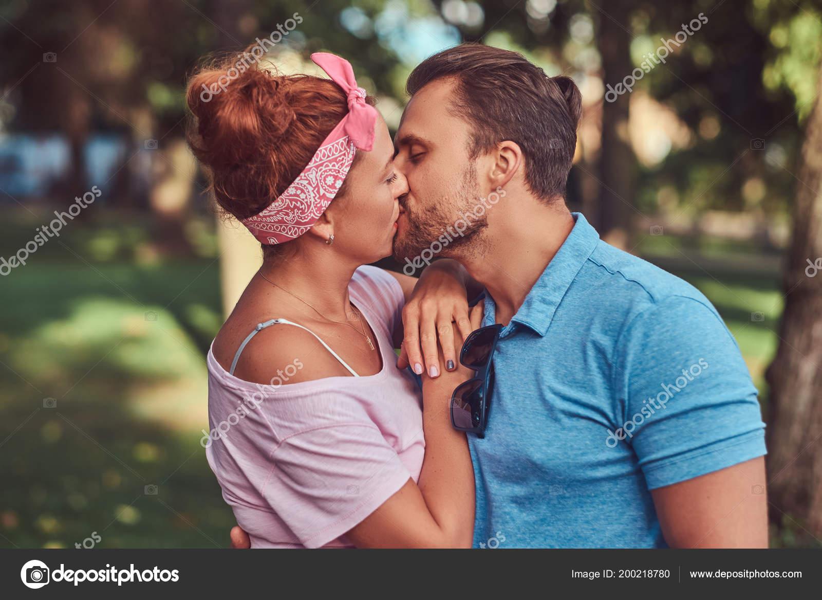 Любители поцелуев знакомства знакомства нужны мужчины г.харьков до 45 лет