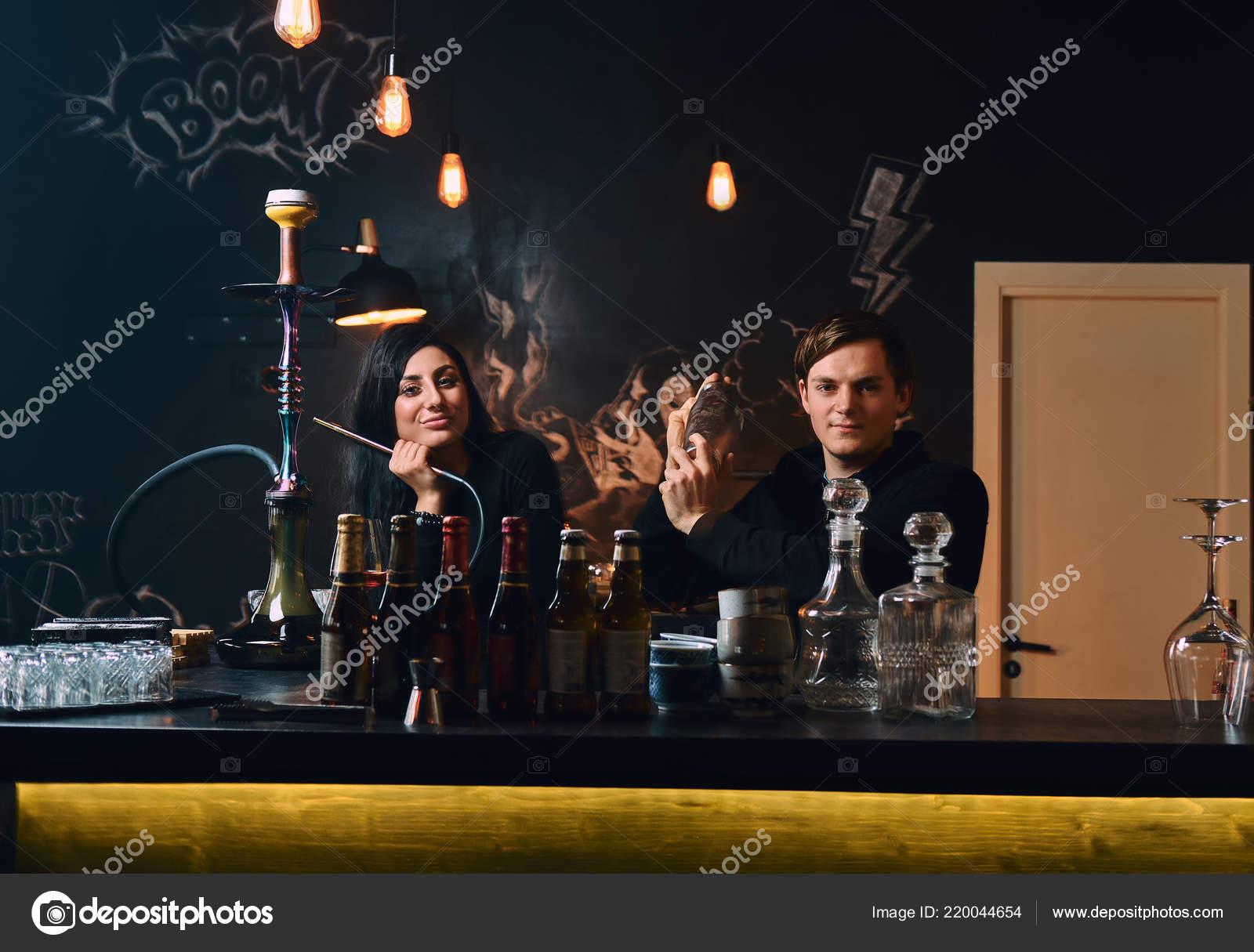 Problemi con la datazione di un barista