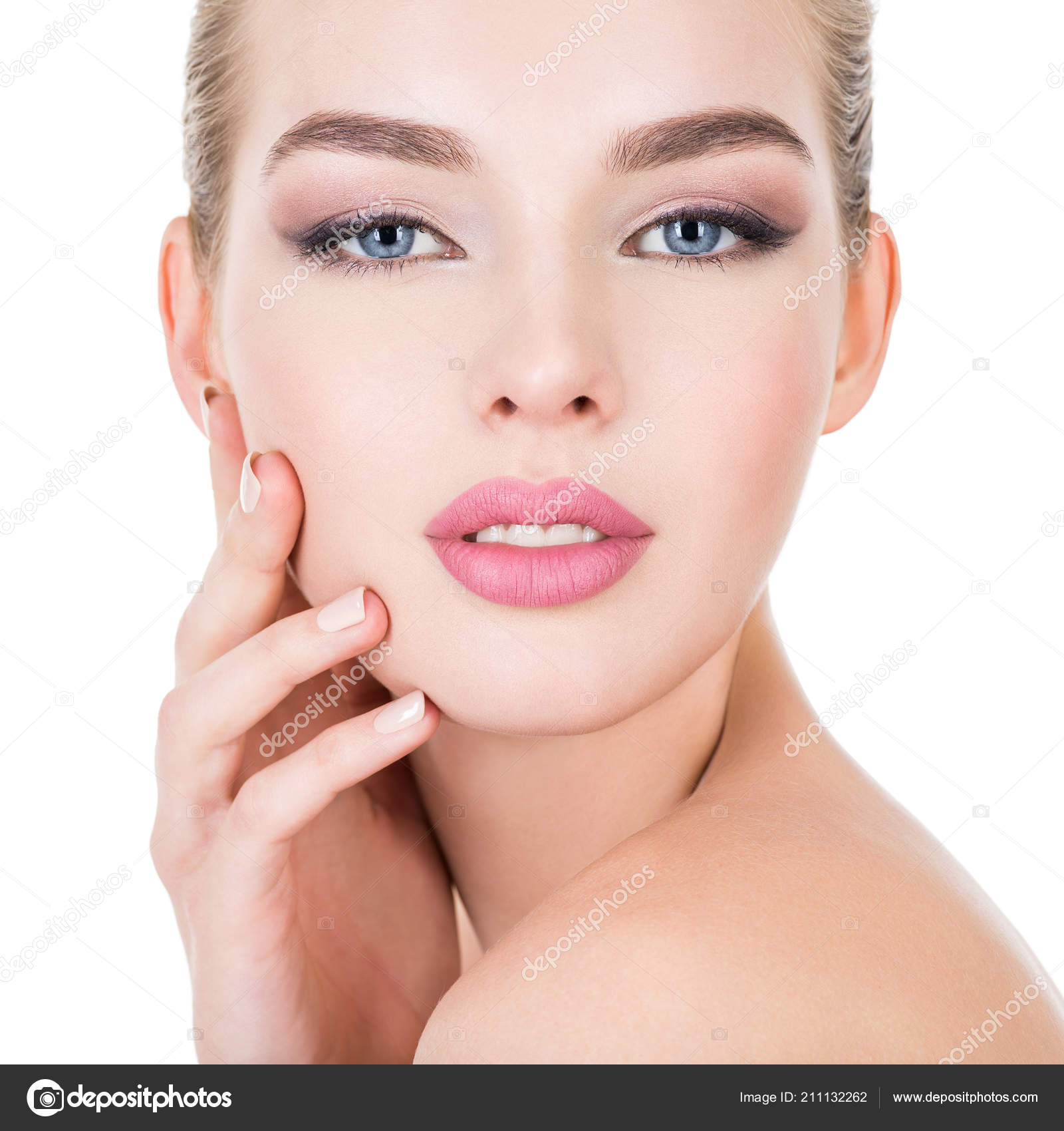 Young Beautiful Woman Healthy Face Beauty Treatment Concept Skin Care Stock Photo Image By C Valuavitaly 211132262